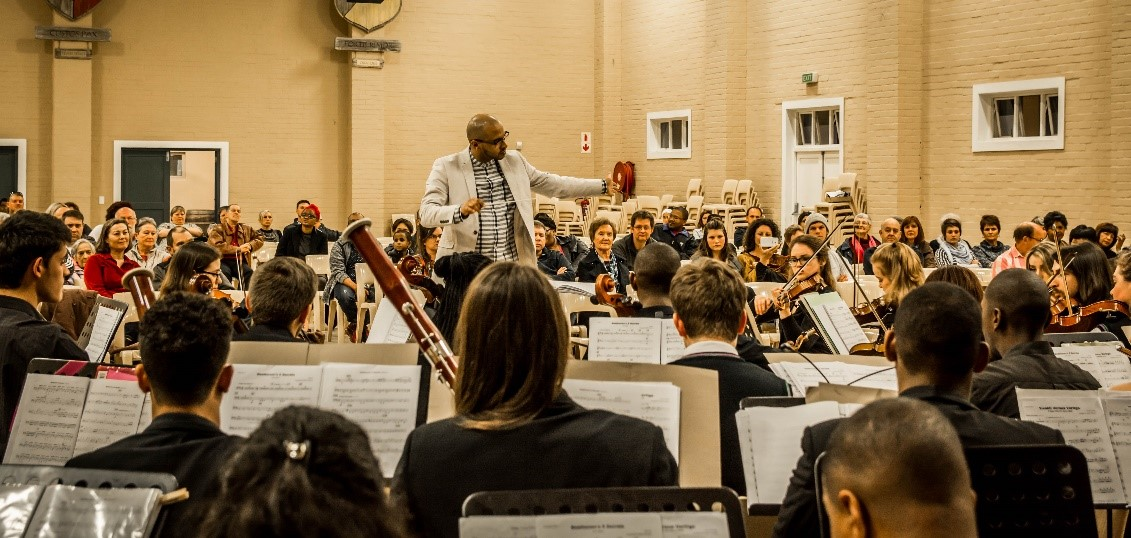 WCYO visited by PU orchestra